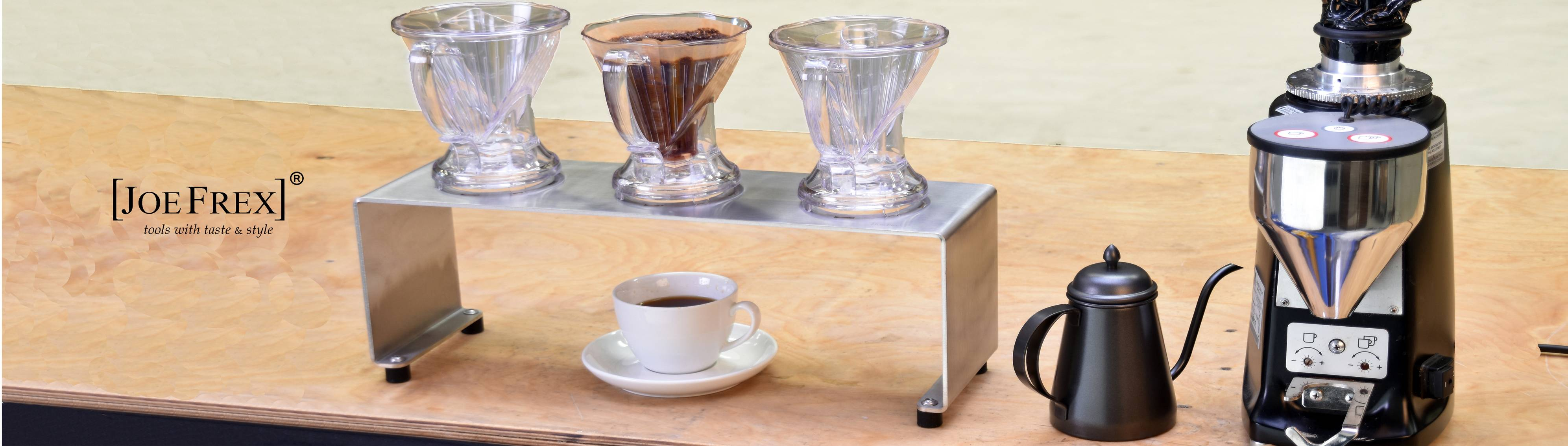 k-8_coffee_brewing_fresh_pour_over